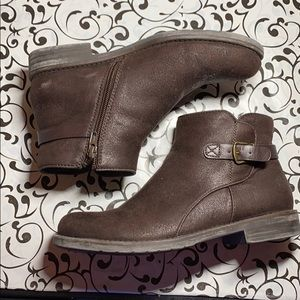 Brown womens 6.5 ankle boots